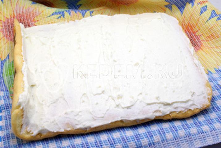 Рулет со сливочным кремом рецепт с фото
